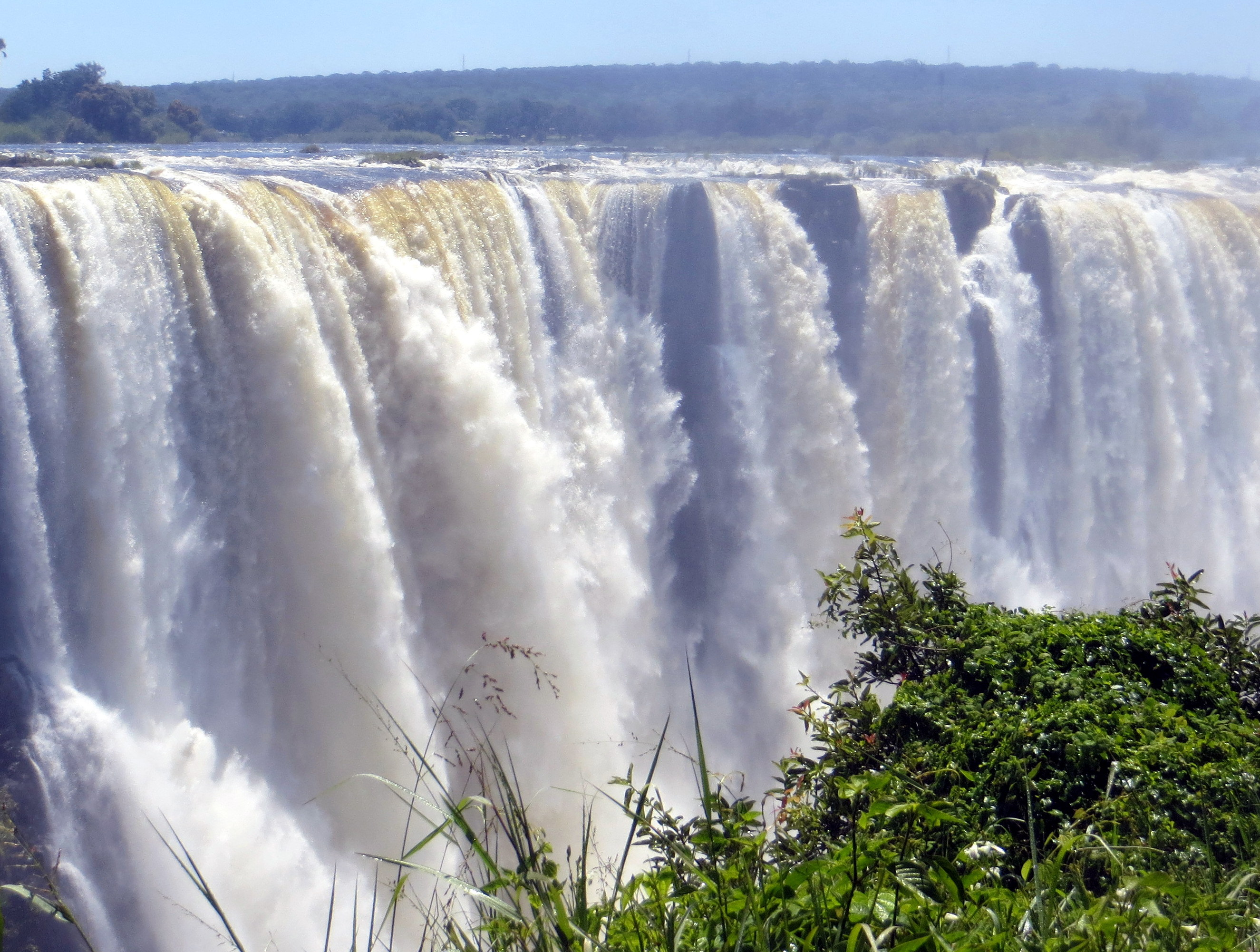 Traveling to Victoria Falls: Zambia and Zimbabwe | Ron ...